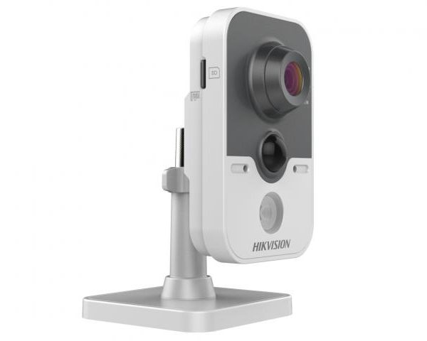 HikVision DS-2CD2422FWD-IW
